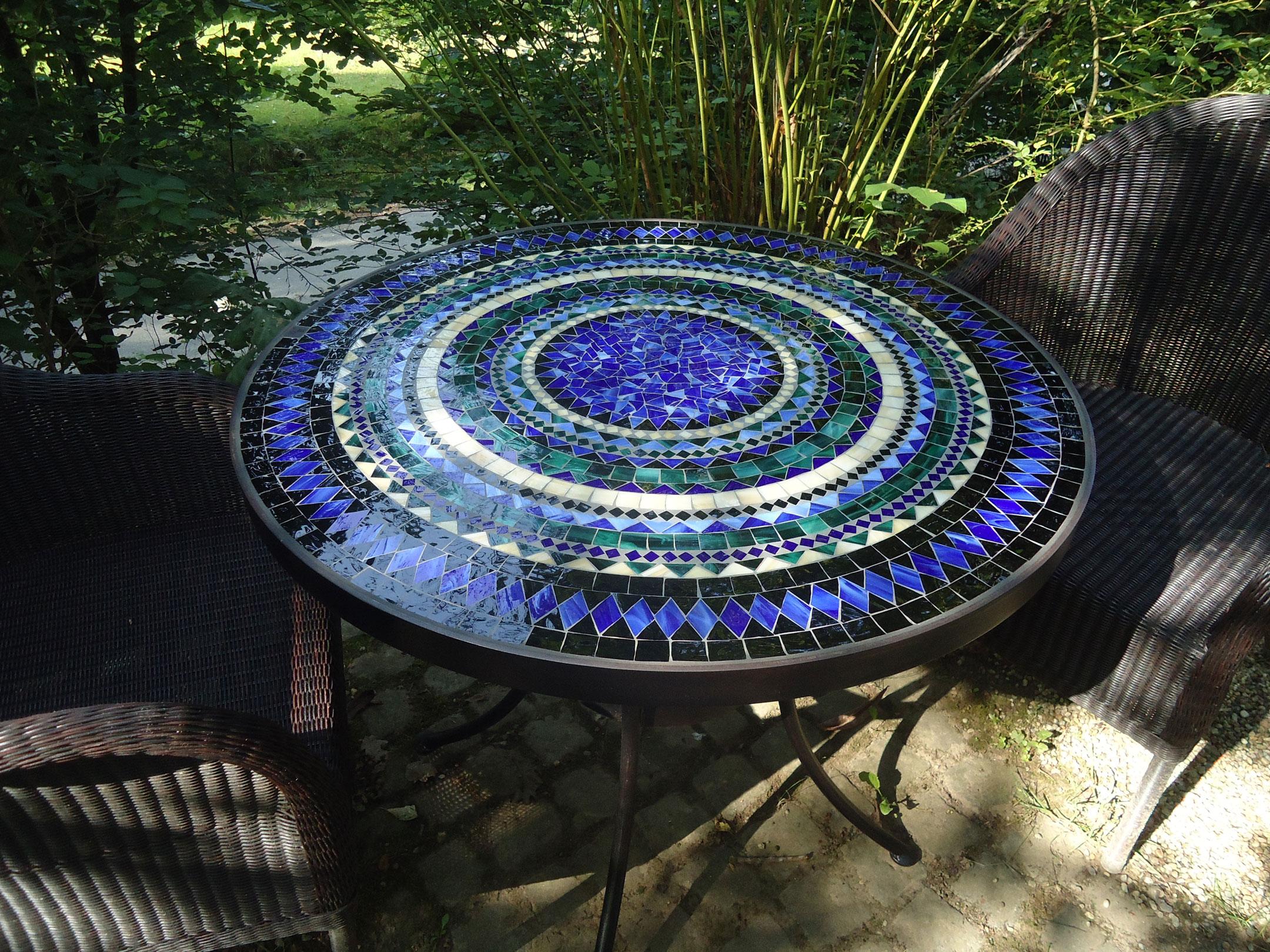 Runder Mosaiktisch (Nr. 2)
