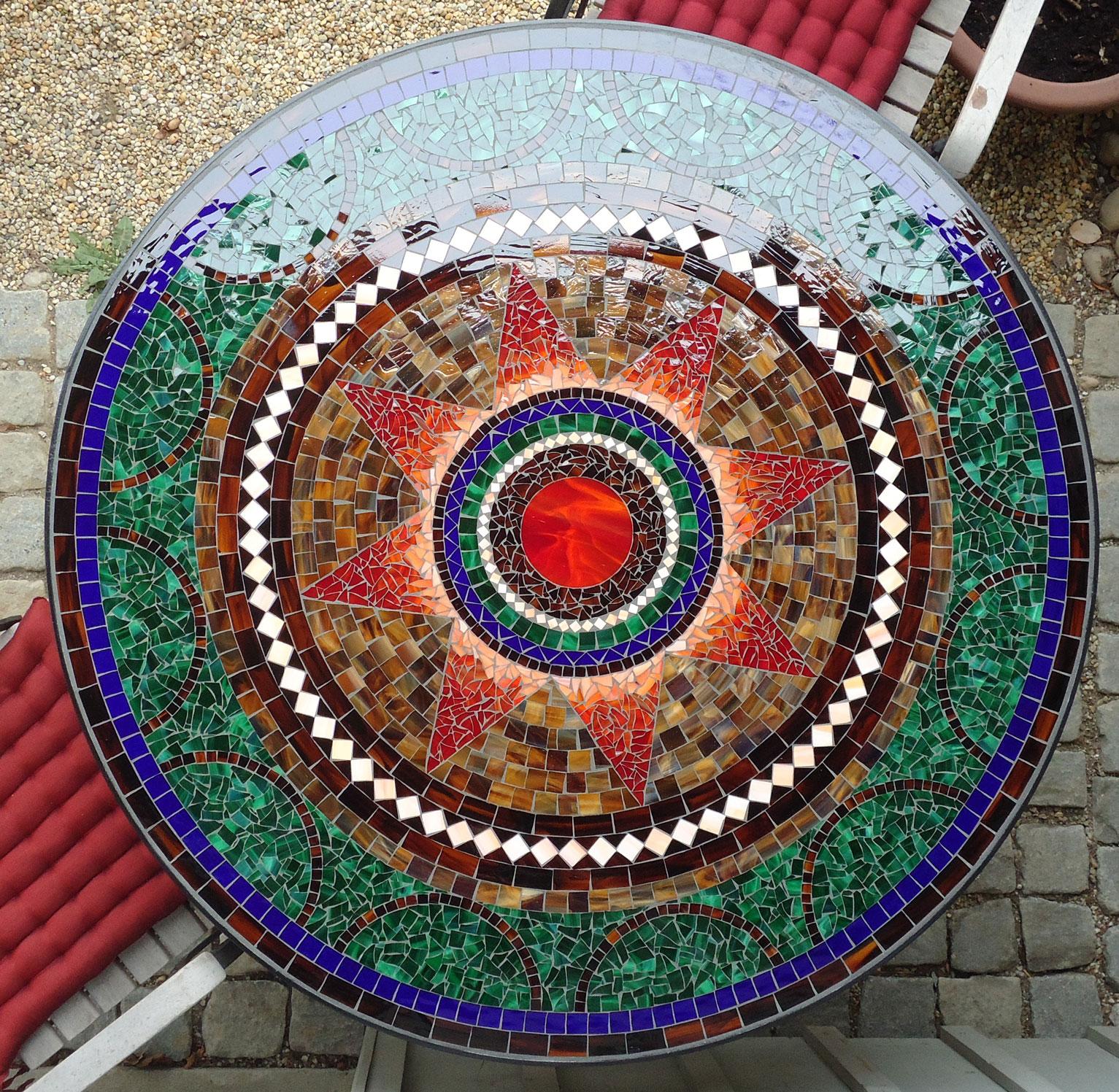 Runder Mosaiktisch Sternmotiv (Nr. 4)