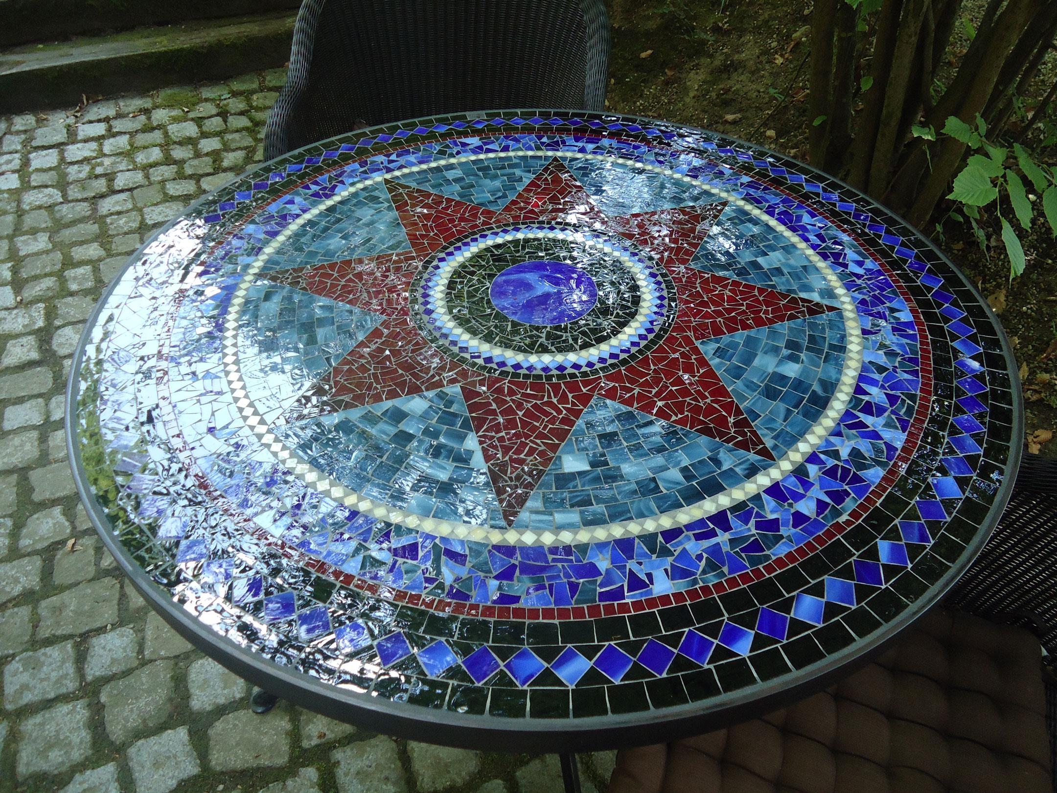 Runder Mosaiktisch Sternmotiv (Nr. 9)