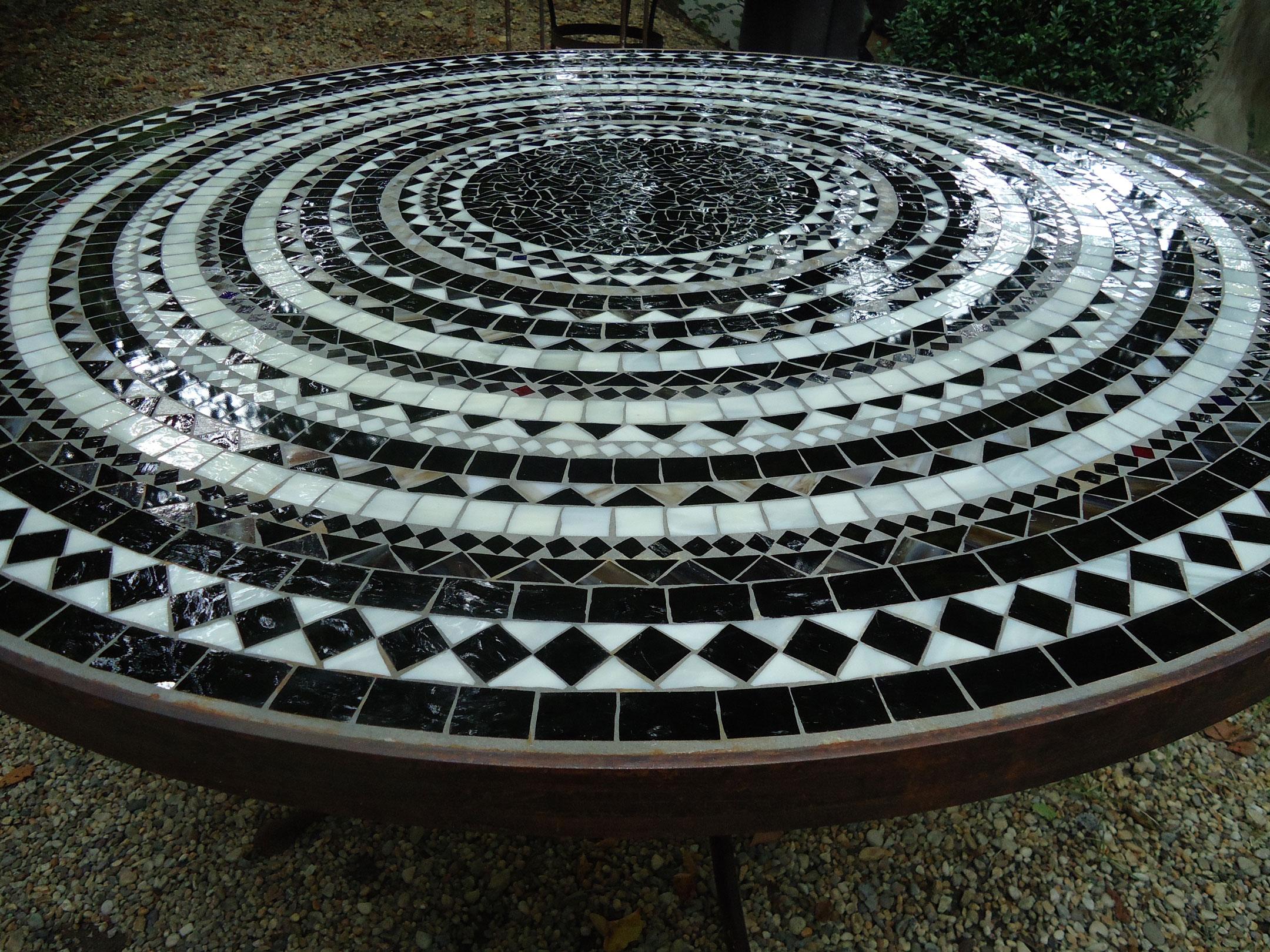 Runder Mosaiktisch (Nr. 11)