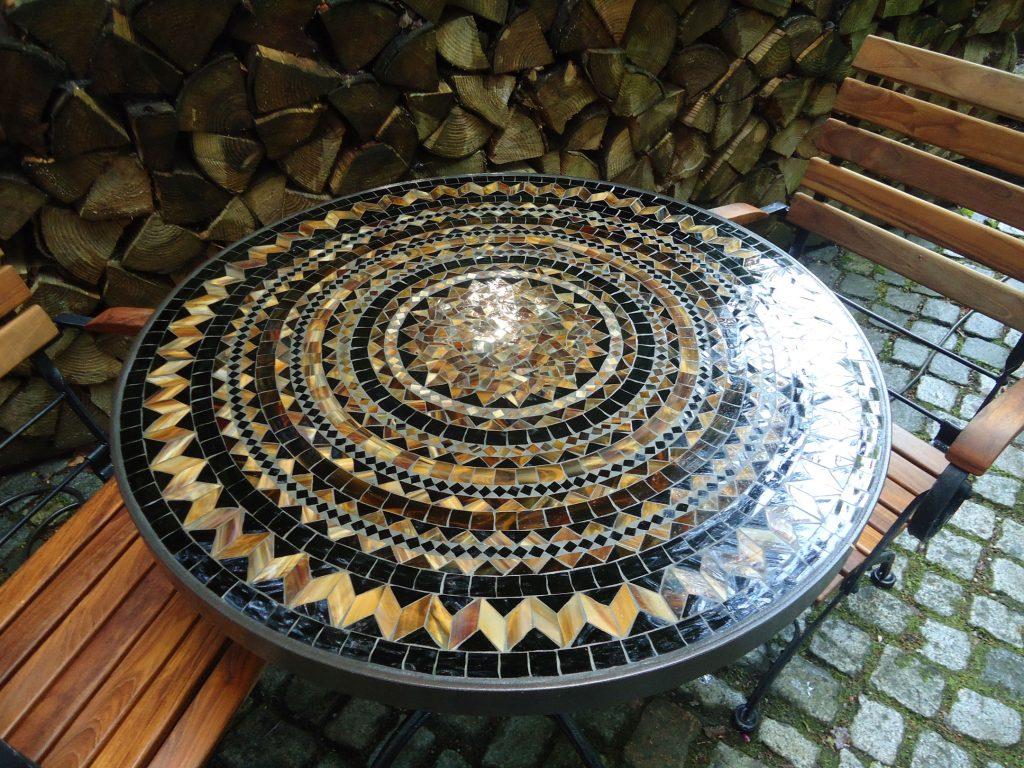 Runder Mosaiktisch (Nr. 14)
