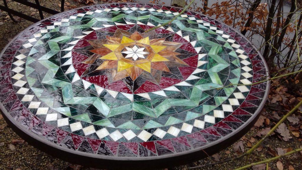 Runder Mosaiktisch Sternmotiv (Nr. 30)