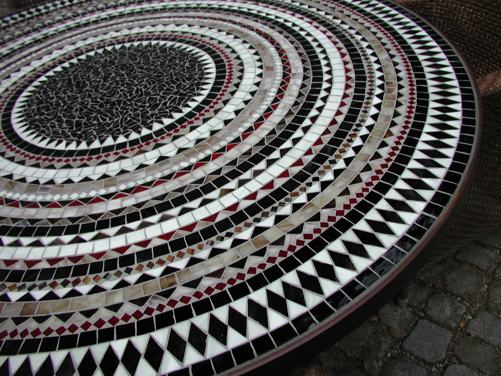 Runder Mosaiktisch (Nr. 34)