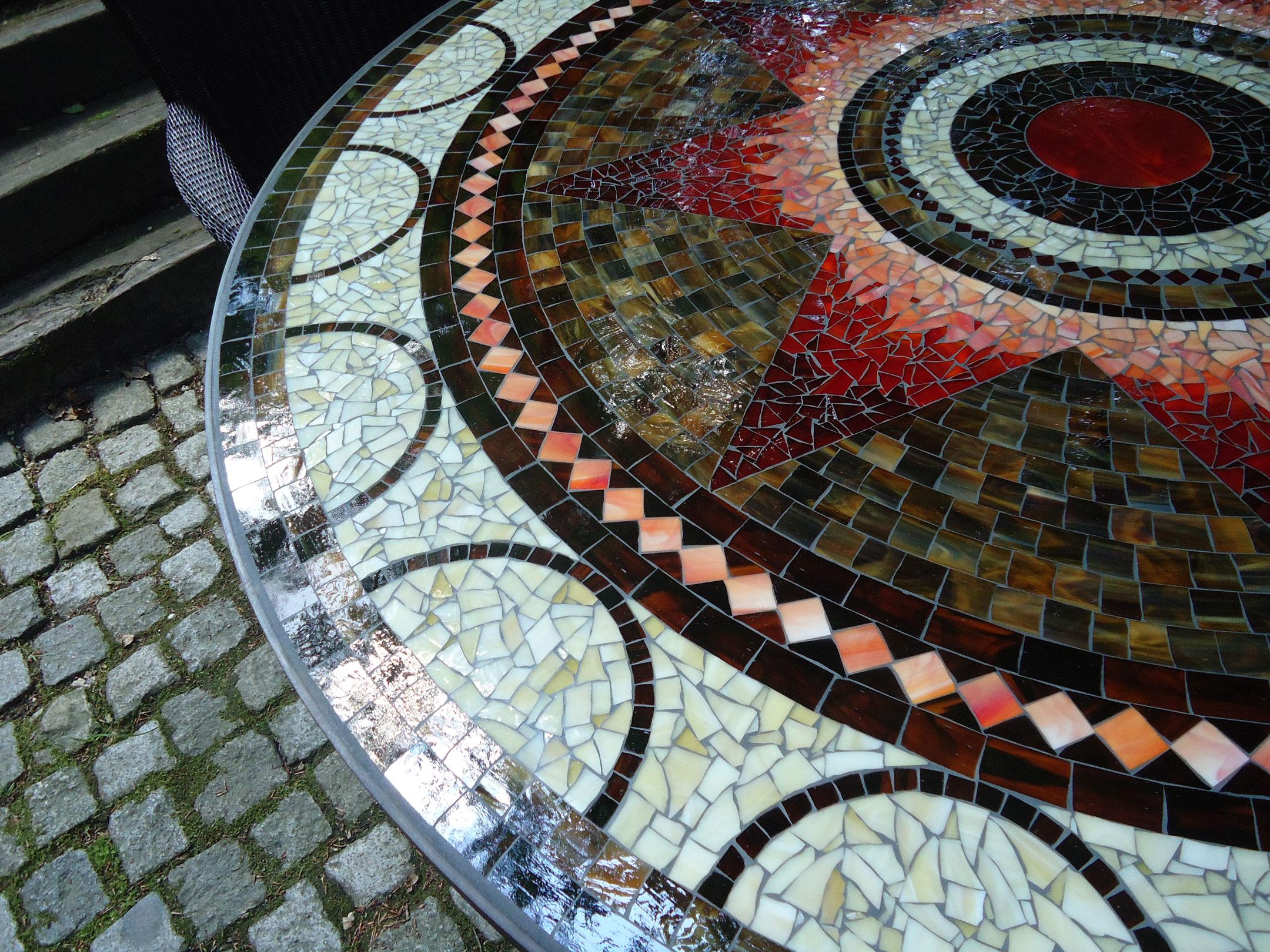 Runder Mosaiktisch Sternmotiv (Nr. 35)