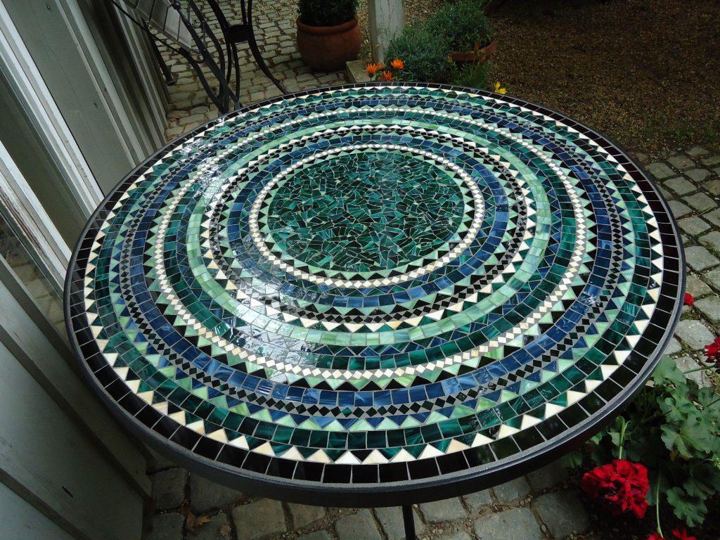 Runder Mosaiktisch (Nr. 37)