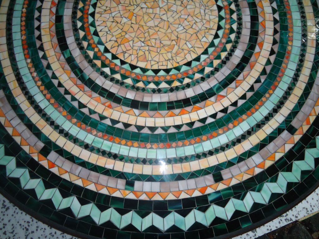Runder Mosaiktisch (Nr. 46)
