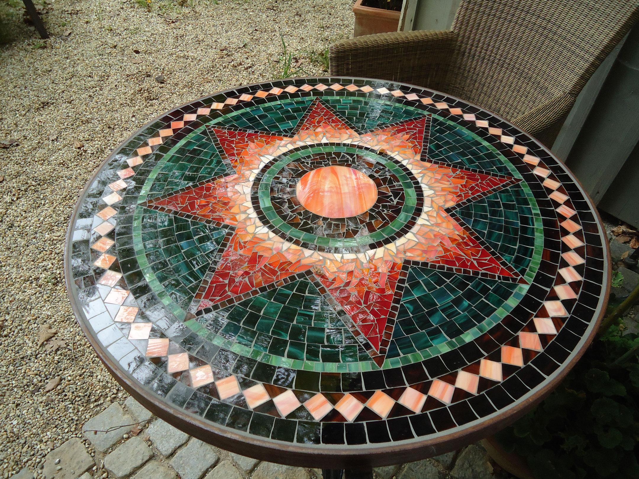 Runder Mosaiktisch Sternmotiv (Nr. 48)