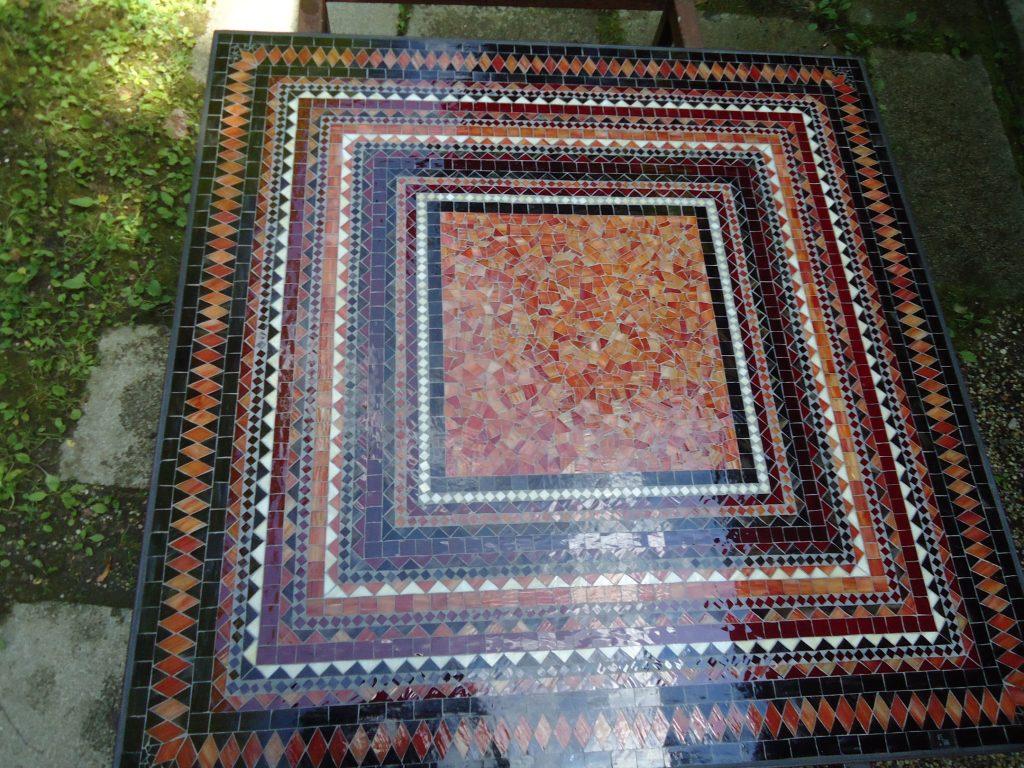 Mosaiktisch (quadratisch, Nr. 52)
