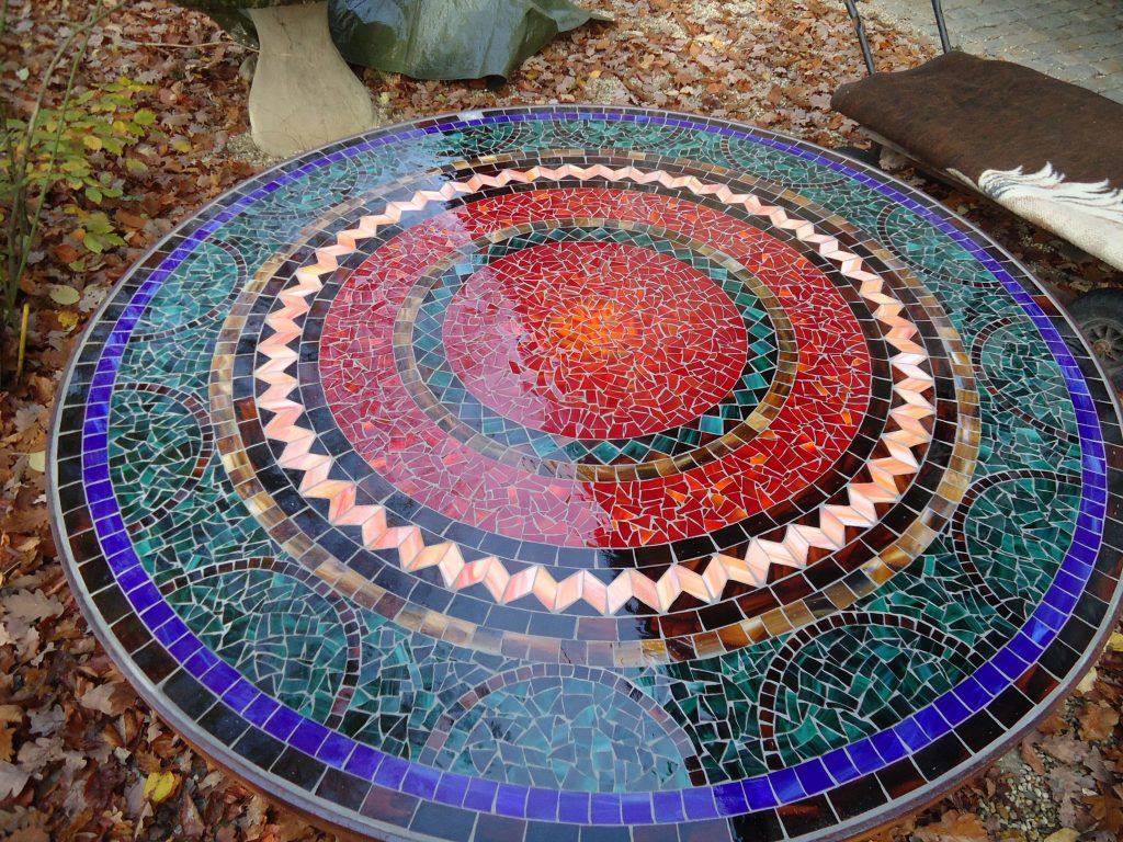 Runder Mosaiktisch (Nr. 58)