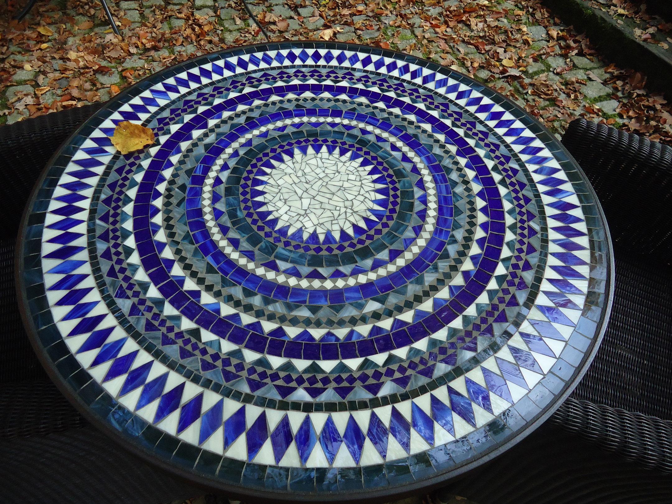 Runder Mosaiktisch (Nr. 61)