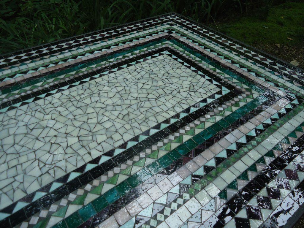 Mosaiktisch (Nr. 64)