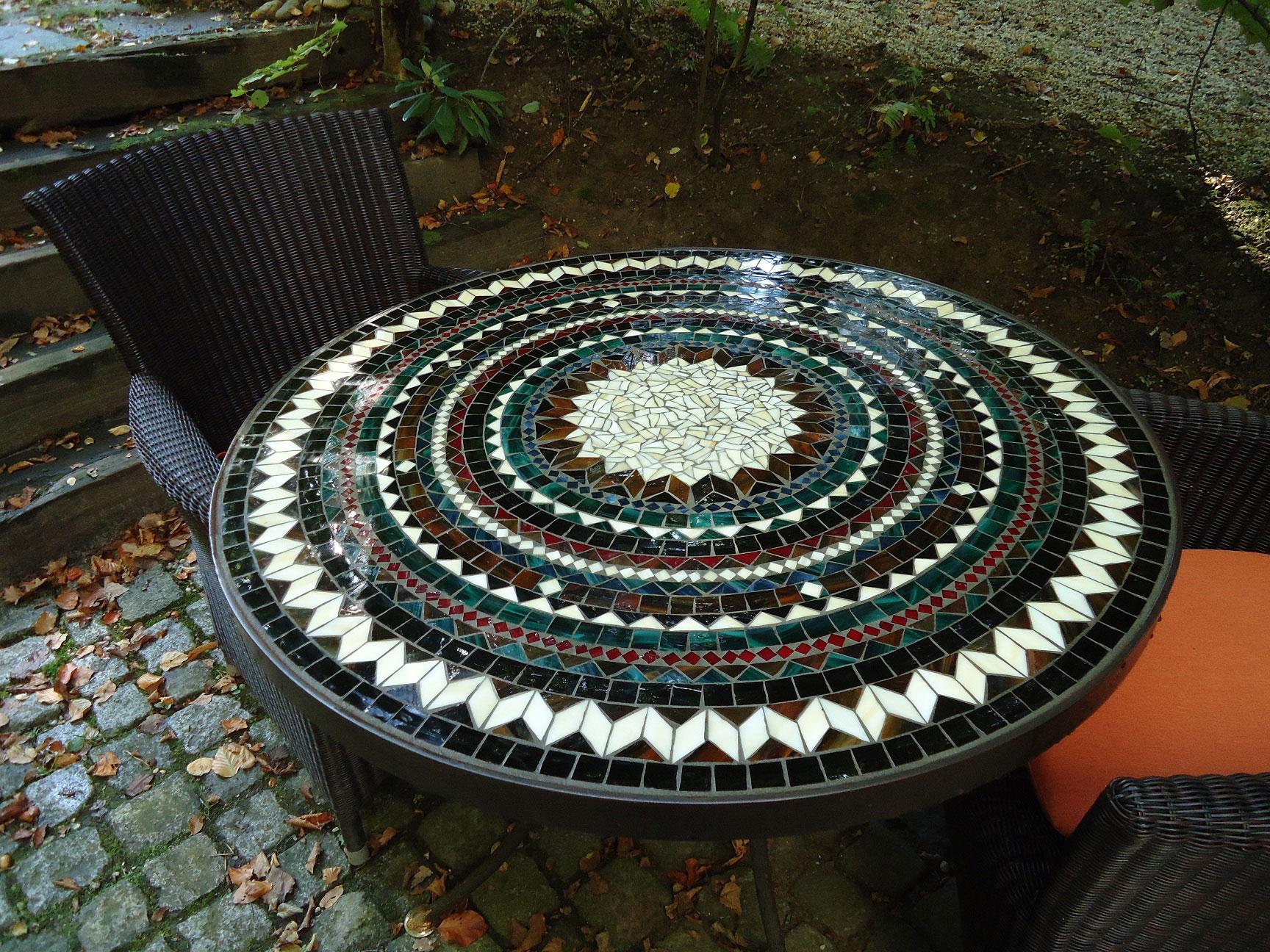 Runder Mosaiktisch (Nr. 75)