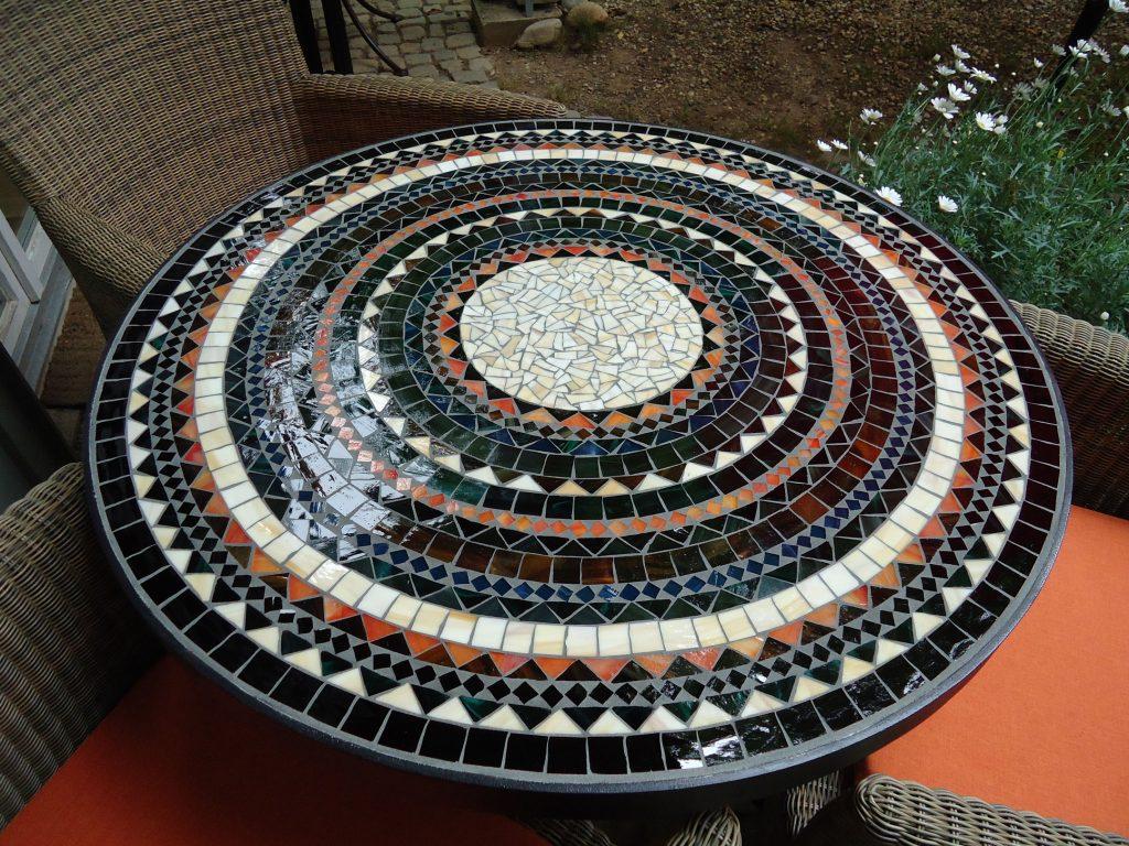 Runder Mosaiktisch (Nr. 76)