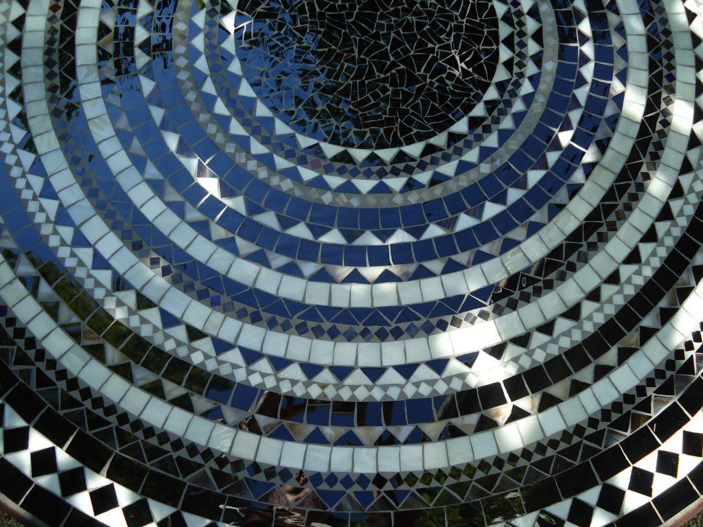 Runder Mosaiktisch (Nr. 90)