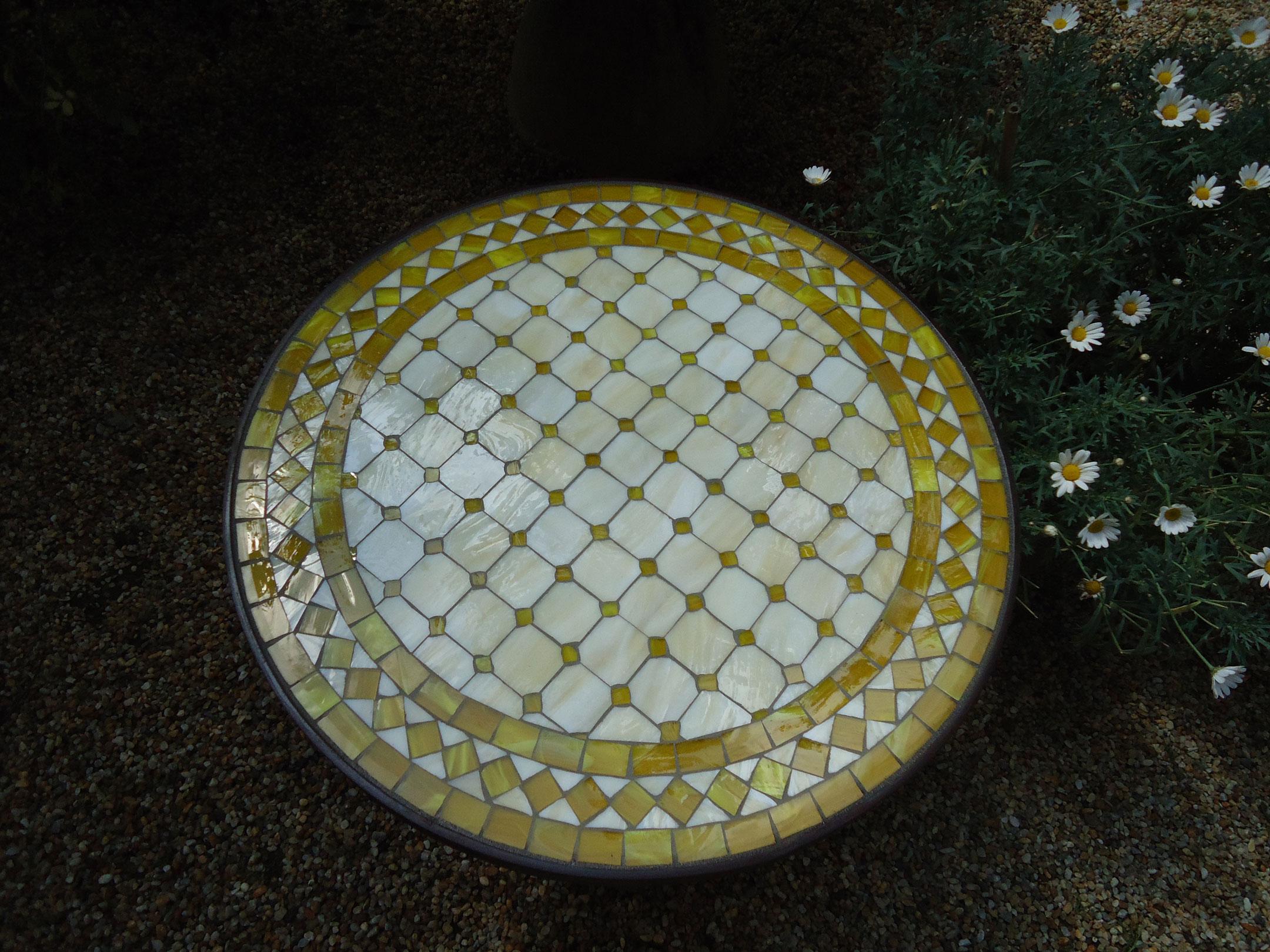 Runder Mosaiktisch (Nr. 92)