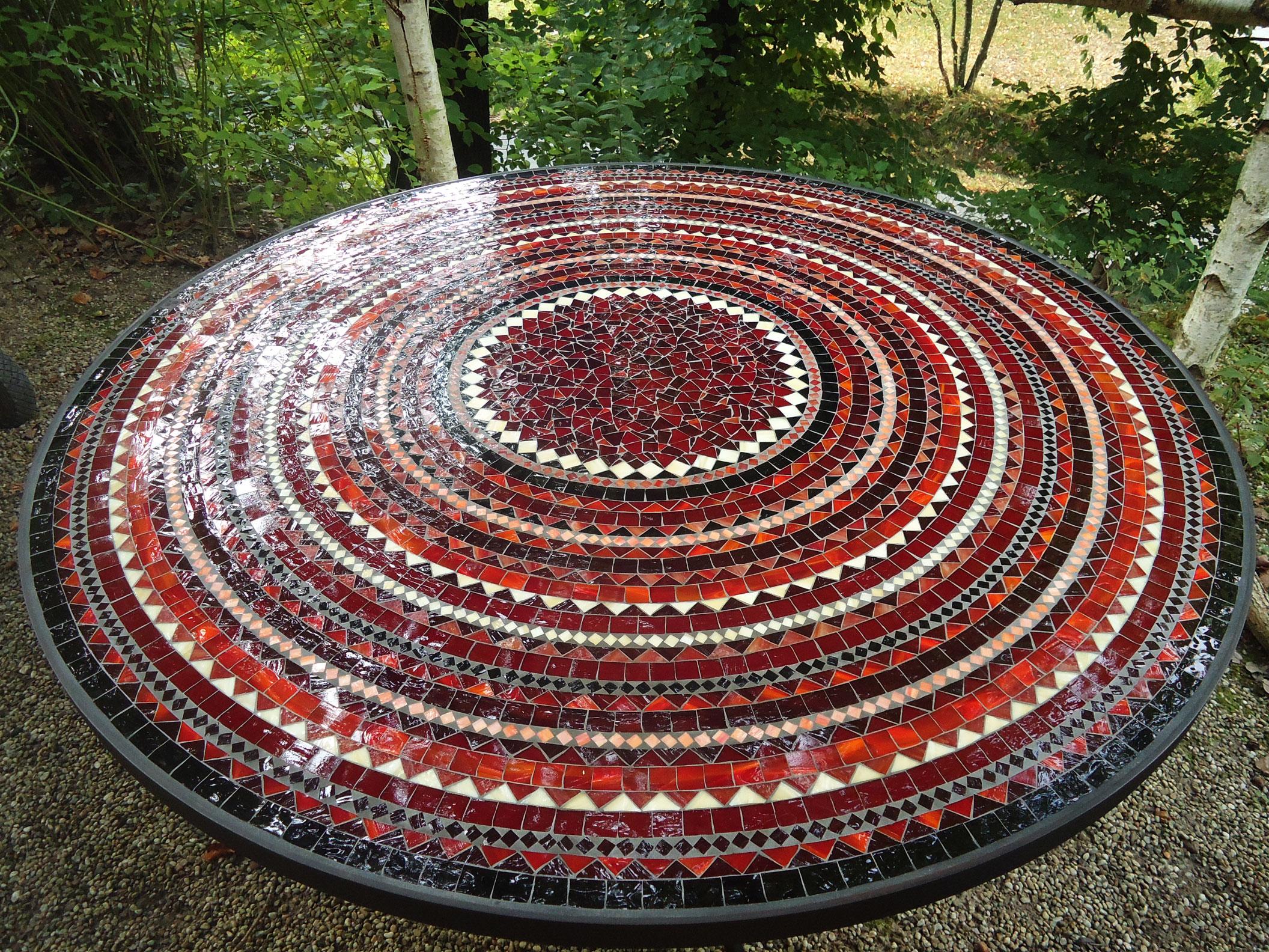Runder Mosaiktisch (Nr. 98)