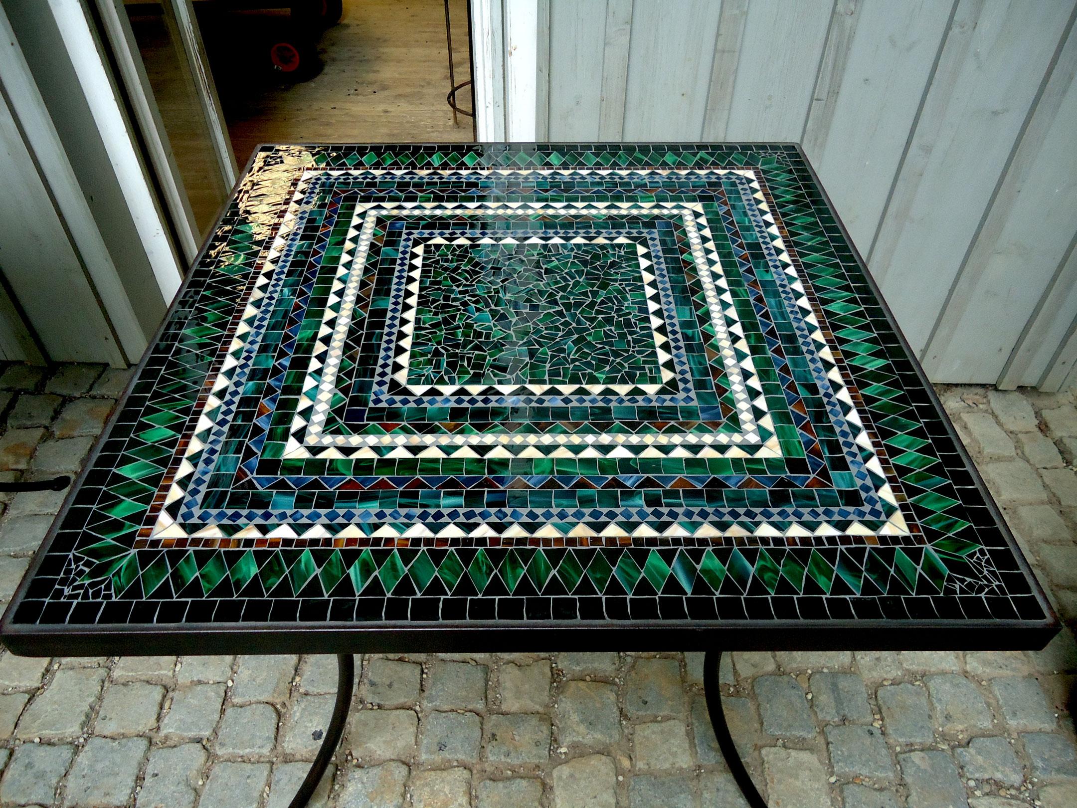 Mosaiktisch (quadratisch, Nr. 102)