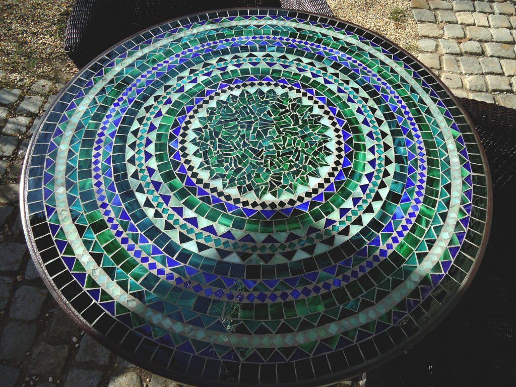 Runder Mosaiktisch (Nr. 105)
