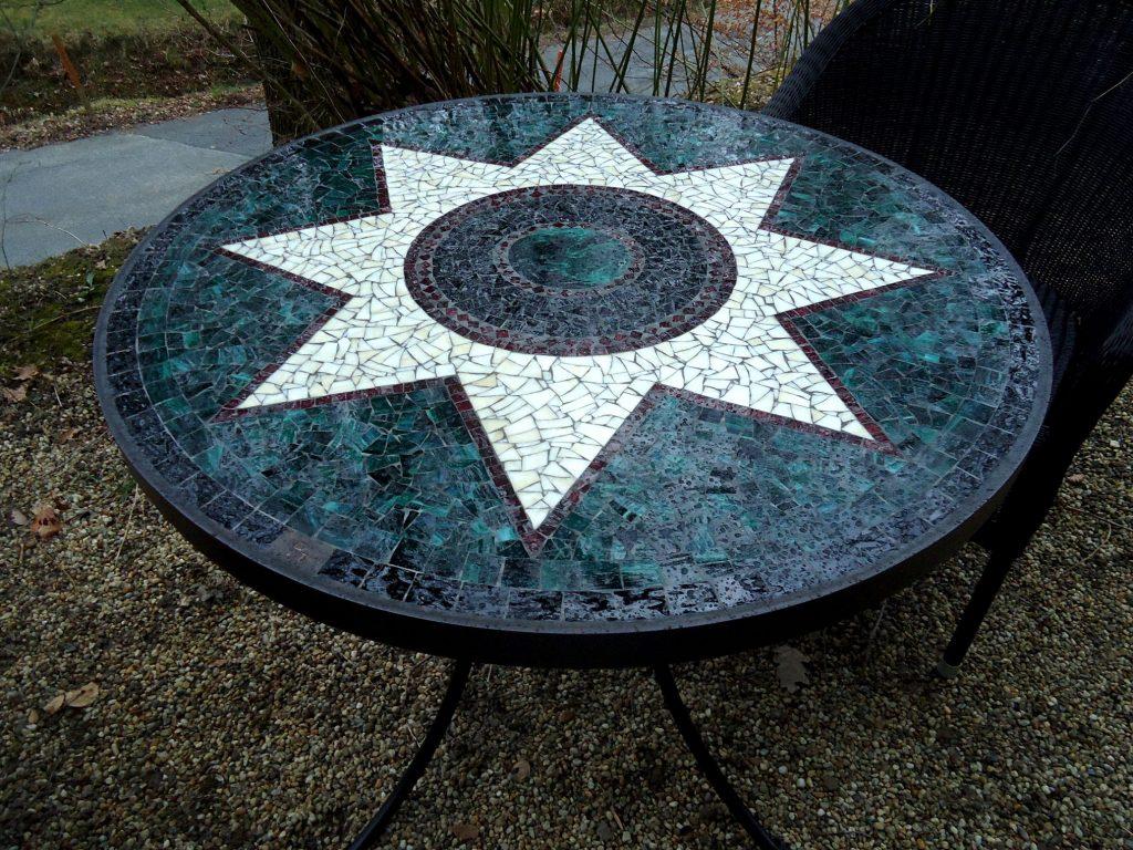Runder Mosaiktisch Sternmotiv (Nr. 107)