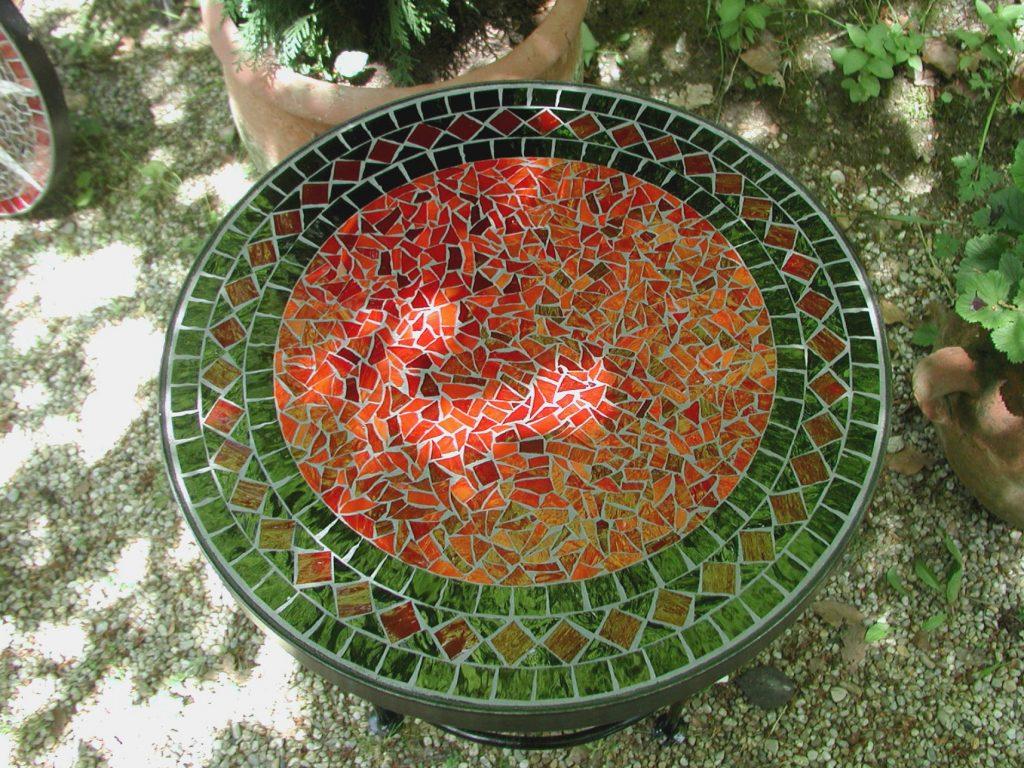 Mosaiktisch rot rund (Nr. 114)